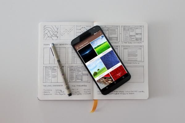 Walloid ger dig tillgång till officiella bakgrundsbilder från telefoner