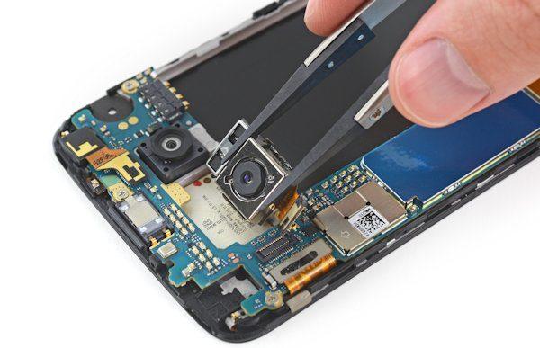 LG G5 plockas isär av IFixIt, sägs vara lätt att reparera