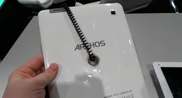 archos_titanium_97_back