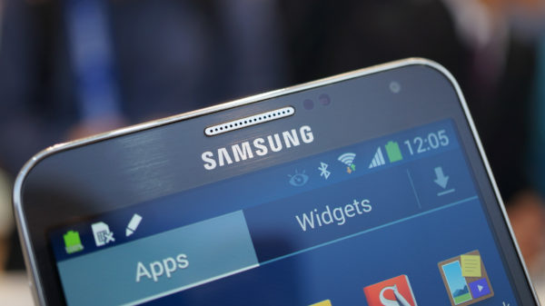 samsung-galaxy-note-3-close_up_top