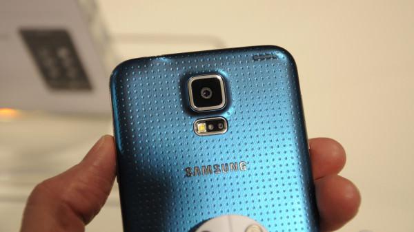 galaxy-s5-rear-blue