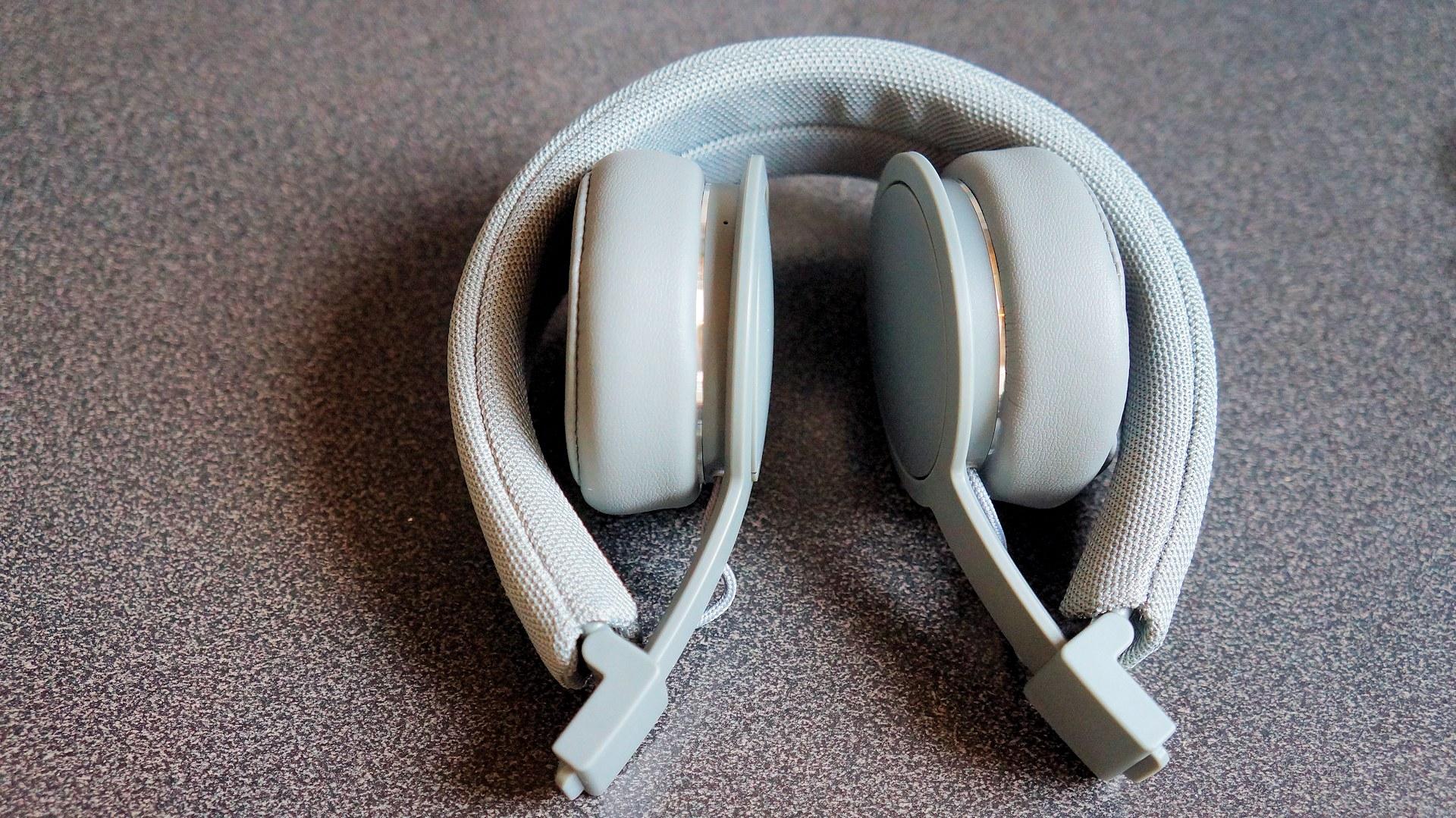 Test av trådlösa Bluetooth-hörlurarna Urbanears Plattan ...